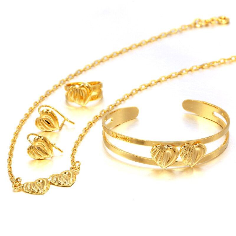 Gold Heart Patterned Jewelry Set
